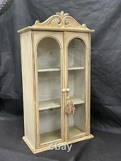 Pretty vintage painted shabby chic wall cabinet. Great size. 30.25 tall